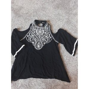 Trendy Cutout shoulder embroidered flowy top